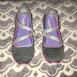 NWT Skechers shoes